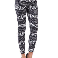 Aoki Fashion - Fleece Lined Snowflake Leggings