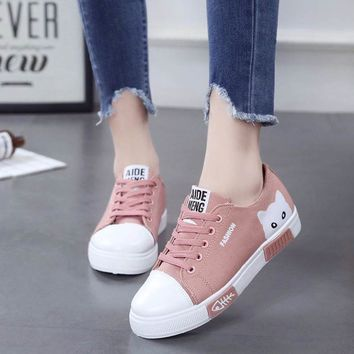 Casual Women Canvas Shoes Sneakers Lace Up Cartoon Cat Design