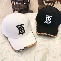 Burberry 2019 new high-end wild fashion embroidery letter visor baseball cap