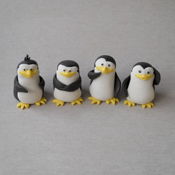4 piece penguin fondant cake topper set (Madagascar)