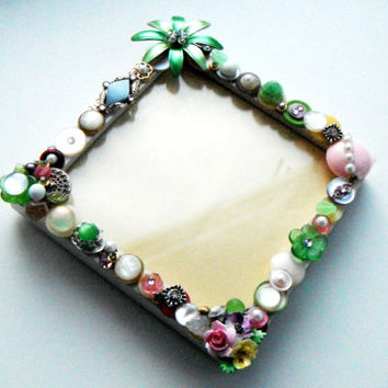 Flower Picture Frame, Recycled Jewelry Frame, Pastel Picture Frame, Repurposed Buttons, Spring, Gift Idea, Wedding Shower Gift, Mother's Day