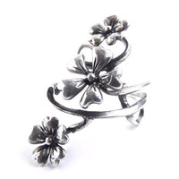 Vintage Sterling Silver Flower Vine Ring -  Size 9.5 Costume Jewelry / Floral Statement