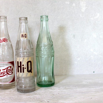 three vintage soda pop bottles // 1950s // coke pepsi hi q // instant collection