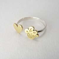 Love Heart Cupcake Muffin adjustable Ring Silver and Brass