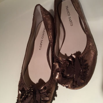 Franco Sarto Flowered Tan Ballet Flats Sz. 8.5 (Small/Indie Brands)