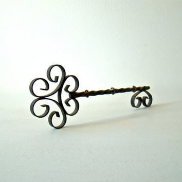 small french vintage wall hook key holder, skeleton key, jewelry display rack, cottage shabby chic, vintage distressed handmade metal work