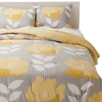Room Essentials® Poppy Comforter - Yellow