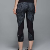 Run: Inspire Crop II *Full-On Luxtreme *Block-It Pocket