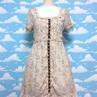 Pocket Watch Frill and Lace OP in Beige from Axes Femme