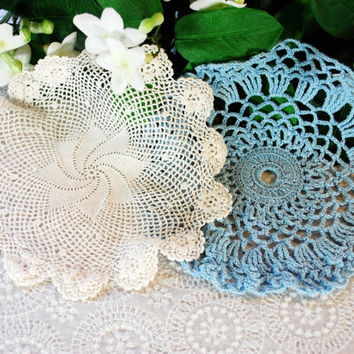 Vintage Doily Set, Handmade Doilies, Winter White Sky Blue, Rose Flowers, Crochet Lace, Cottage Chic, 1940s 1950s Holiday Home Decor