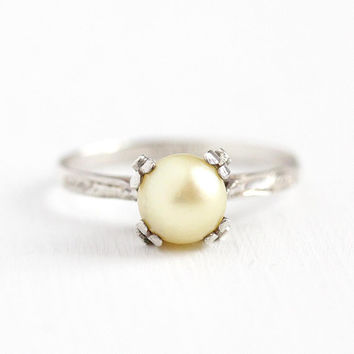 Cultured Pearl Ring - Vintage Sterling Silver Size 7 1/4 Art Deco 1940s - White Gemstone Solitaire June Birthstone Filigree Engraved Jewelry