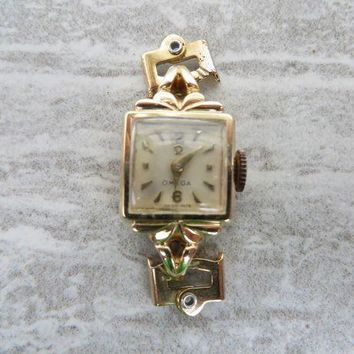ONETOW Vintage women's Omega watch - running, but needs band!