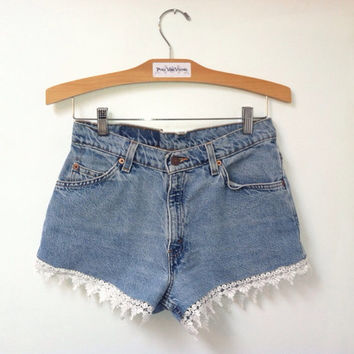 Vintage Levi's 550 High Waist Jean Shorts with lace trim, vintage size 7 - denim, short, cream, white, light, distressed, booty, jeans
