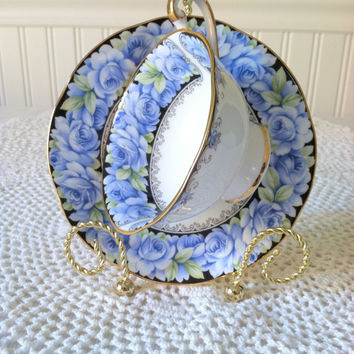 Antique Rosina Queen's Fine Bone China/Elizabeth Rose Pattern Tea Cup and Saucer/Made in England/Bridal Gift/Bridal Shower Wishing Well