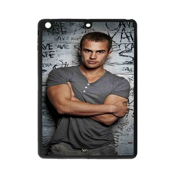 Theo james Arms Span iPad Air 2 Case