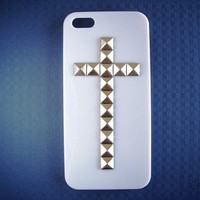 Silver Pyramid Studded Cross White Cover For Iphone 5 Case