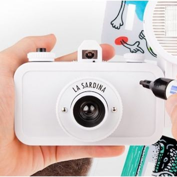 La Sardina DIY Edition 35mm Wide-Angle Camera with Flash