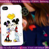 Mickey And Minnie Mouse Kissing - iPhone 4 / iPhone 4S / iPhone 5 / Samsung S2 / Samsung S3 / Samsung S4 Case Cover