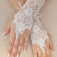 Free ship, Ivory  lace Wedding gloves, floral lace  bridal gloves, fingerless lace gloves,handmade