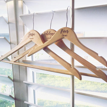 Personalized Hangers, Bridesmaid, Bride, Wedding Dress Hanger, Custom Bridal Gift, Wedding Hangers, Bridal Party Gifts