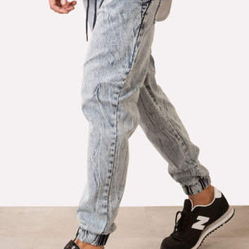LIGHT ACID WASH STRETCH DENIM JOGGER PANT