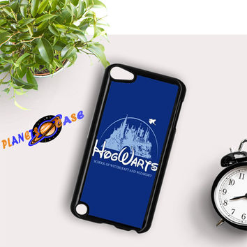 harry potter hogwart disney iPod Touch 6 Case Planetscase.com