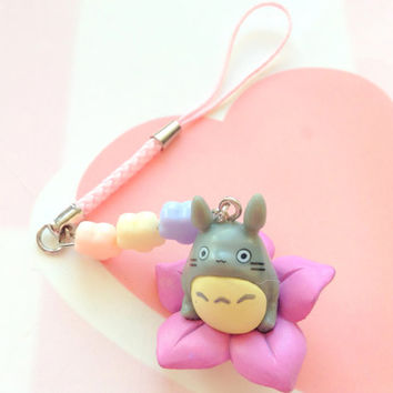 Studio Ghibli My neighbour Totoro charm - Anime phone charm - Kawaii cute charm - summer flower - pink phone strap - Japan