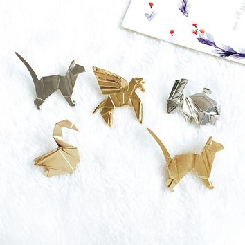 Three-dimensional Geometry Animals Small Rabbit Kitten Paper Cranes Brooches Collar Pin