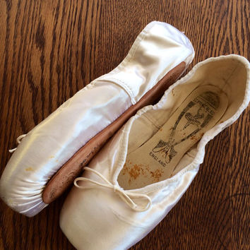 Vintage Freed of London Hand crafted Ballet Point Toe Shoes 1990 Signed