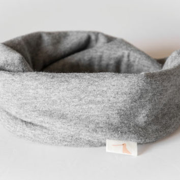 Scarf bib in grey. Stylish drooler bib for little dribblers.Jersey 100% cotton. Baby toddler clothing. Marble grey