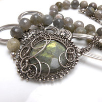 Dinntronis silver wire wrapped necklace with by MadeBySunflower