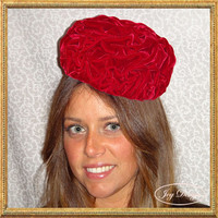 Women's Vintage Red Ruched Pill Box Hat (c 1960)
