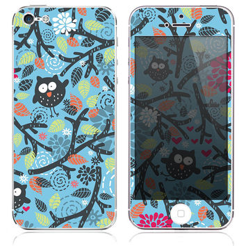 Fall Owls Skin for the iPhone 3gs, 4/4s, 5, 5s or 5c
