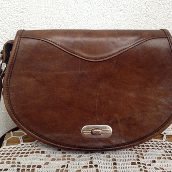 Brown Leather Purse, Genuine Leather Saddle Bag, 70s Fashion, Satchel Handbag, Bikers Purse, Distressed Leather Messenger Bag, Crossbody Bag