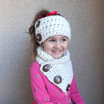 Crochet Chunky Kids Buttoned Neck Warmer and Ear Warmer Set /FISHERMAN/, Childrens Scarf Set, Gift Idea