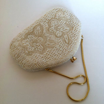 Vintage Off-White Clutch Purse 1950's 1960's Hibiscus Floral Design Pearly Seed Bead Bugle Bead Gold Chain
