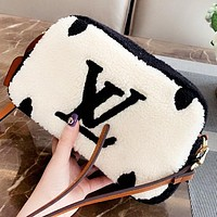 LV Louis Vuitton New fashion letter shoulder Bag crossbody bag
