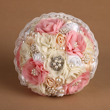 Pink Lace Luxury Pearl Rhinestone Artificial Bridal Wedding Bouquets Real Pic Ramo Novia Mariage Bridesmaid Flower Accessoires