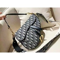 Dior retro wild casual half-moon slung handbag shoulder bag saddle bag