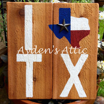 I heart Texas wall hanging. Texas wood sign. State sign. I love Texas. Country decor. Rustic decor. Cedar sign. Housewarming gift.