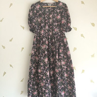 vintage 80s laura ashley dress / rose floral / tea dress / puff sleeves / midi skirt / black pink + lilac / UK 14 USA 12 EUR 40