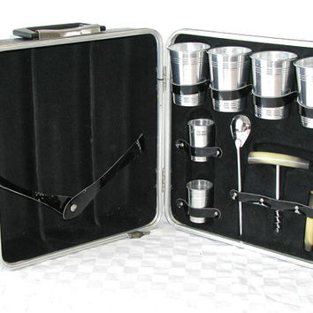 Vintage Trav-L-Bar Portable Bar Set With Carrying Case - Portable Pub