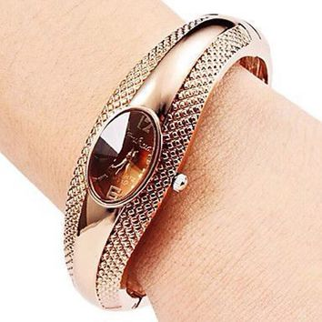 Fashion Golden Oval Quartz Watch Lady Cuff Bangle Bracelet Wristwatch