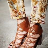 Jeffrey Campbell for Free People Womens Nicky Caged Heel - Tan
