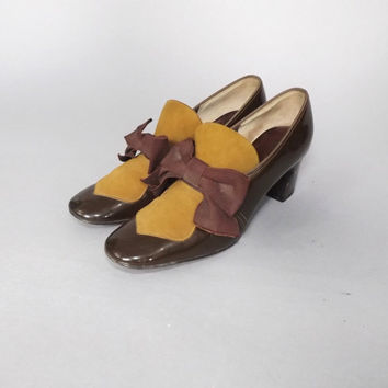 Vintage 1960s 70s Joyce California Size 6.5 Brown Suede Shoes Patent Leather Pumps High Heel Loafer Shoe Fall Preppy Boho Mad Men Edwardian