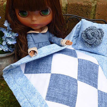 Blythe Doll Throw Blanket and Pillow, 1:6 Scale Miniatures, 12 Inch Fashion Doll Home Décor Accessories for Takara Pullip Barbie, Blue Quilt