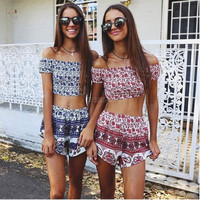 Women Fashion Sexy Two Pieces Strapless Off Shoulder Backless Stretch Frilly Crop Tops and Print Shorts Set