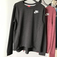 ONETOW Nike Crew Neck Long sleeves Top Sweater Pullover Sweatshirt In Black/Gray