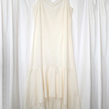 Dreamy Lace Trimmed Lounge Gown in Ivory - Vintage (M/L)