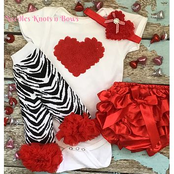 Girls Valentines Outfit, RTS, Baby Girls Valentines Day Outfit, Valentines Baby, Coming Home Outfit